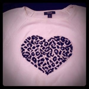 Long sleeve cream sweater-lepord heart